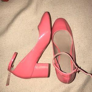never worn hot pink heels